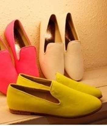 Picture of women shoe leather shoes white net sales explosion of flat shoes Merchandiser